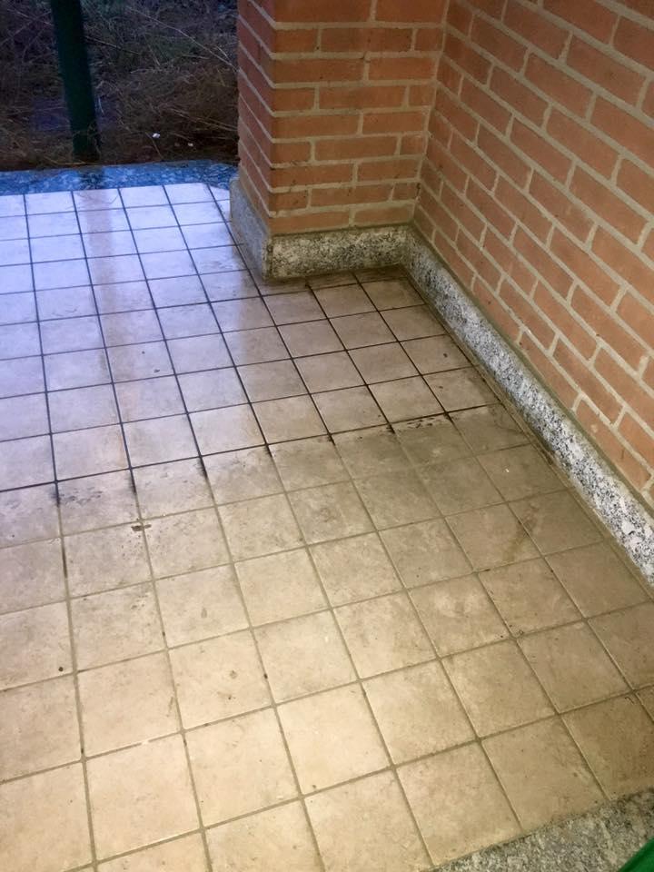 lavaggio-pavimento-esterno