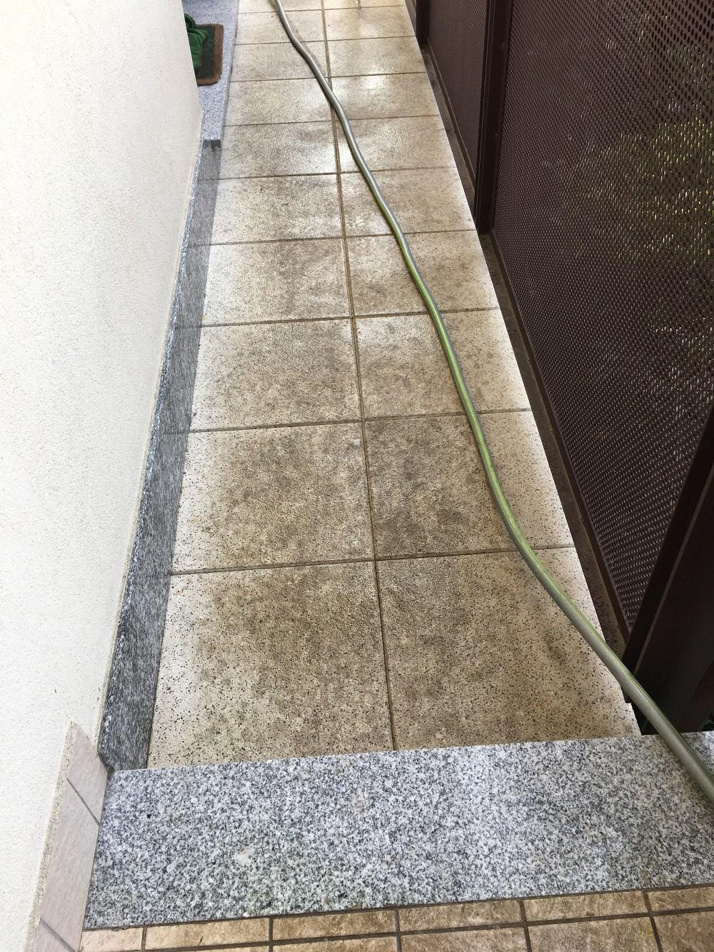 Lavaggio pavimenti terrazzo esterno a Villasanta (MB) - Impresa di ...