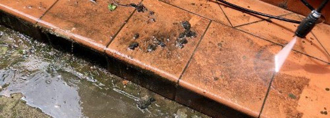 Lavaggio pavimenti esterni condominio a Monza