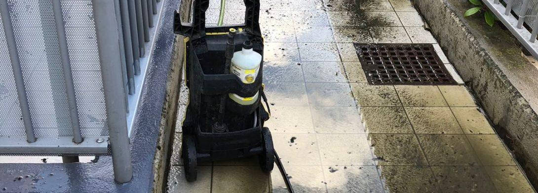 Lavaggio pavimenti esterni condominio di Villasanta (MB)