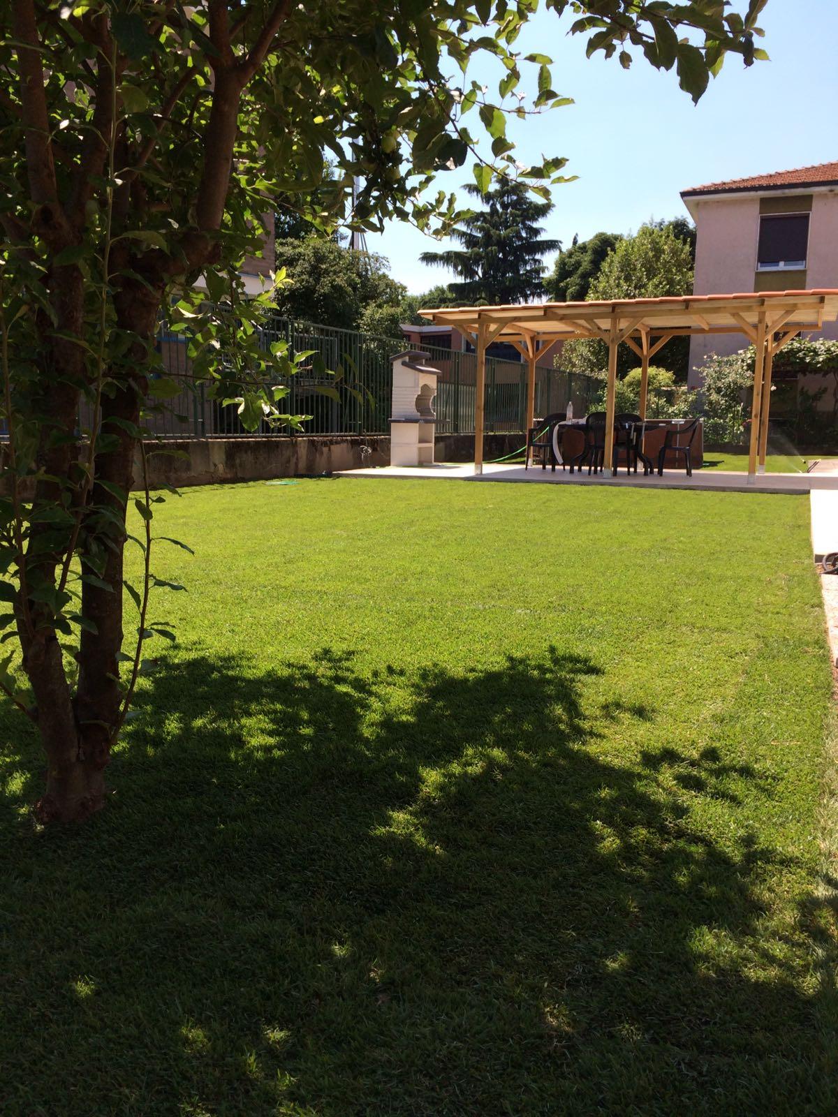 giardino sintetico monza